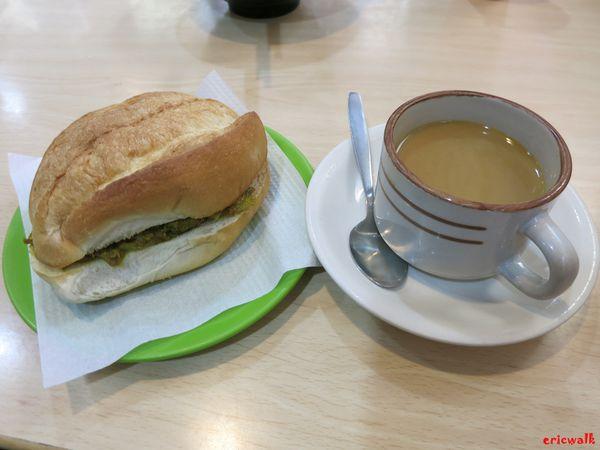 澳门一日美食游,官也街中心咖啡美食吃早餐,饱览美食小吃