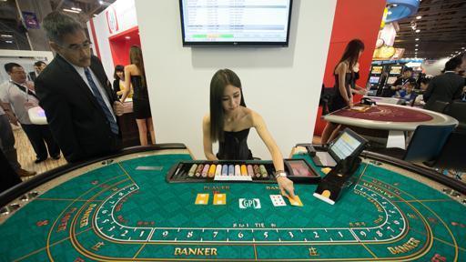 澳门美女荷官解答:澳门赌场会作弊吗?荷官会出老千吗?